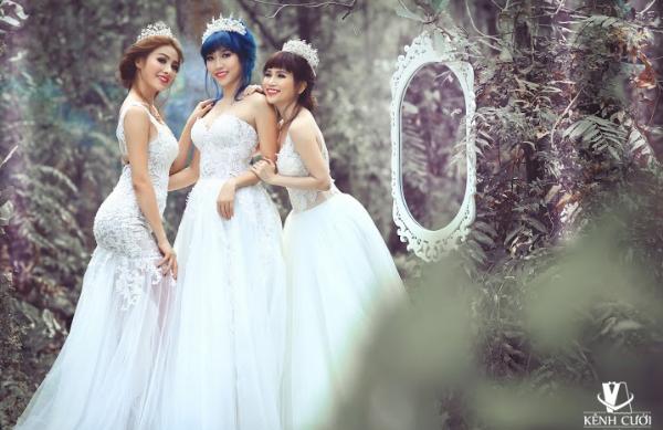 Bộ 3 gái ế gây chú ý khi mặc váy cưới 7