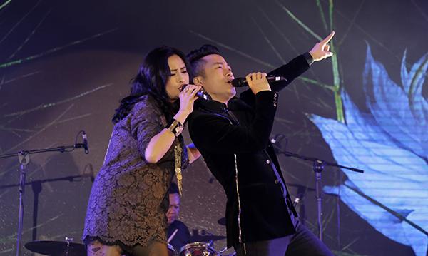 Diva nhạc Việt và Tùng Dương có màn song ca ăn ý khi thể hiện lại những giai điệu đầy cảm xúc