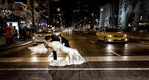 Những bức ảnh cưới vượt qua sợ hãi của cô dâu, chú rể 9