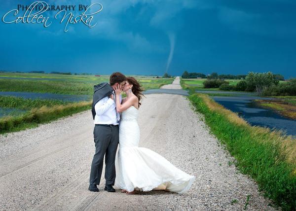 Những bức ảnh cưới vượt qua sợ hãi của cô dâu, chú rể 14