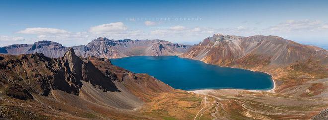 Hồ Thiên đường trên đỉnh núi Paektu.
