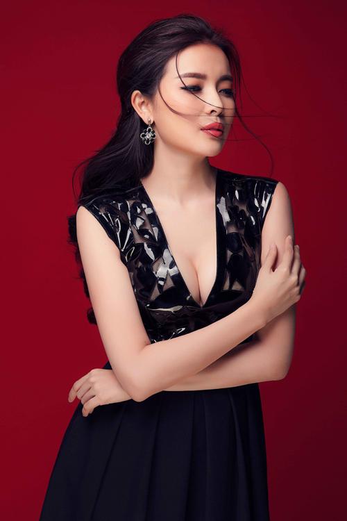 vay-di-tiec-cho-nang-yeu-phong-cach-sexy-5