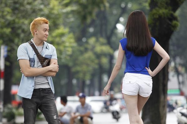 luong-manh-hai-luyen-catwalk-cho-ngoc-trinh-3