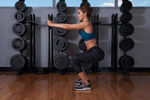 tap-squat-de-co-vong-ba-dep-nhu-ngoc-trinh-2
