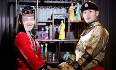 Cặp đôi 9X Trung Quốc bỏ việc đi chụp ảnh cưới vòng quanh đất nước