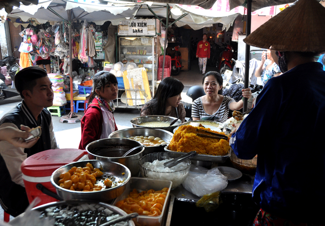 Quán chè Sài Gòn hơn 40 năm luôn đông khách