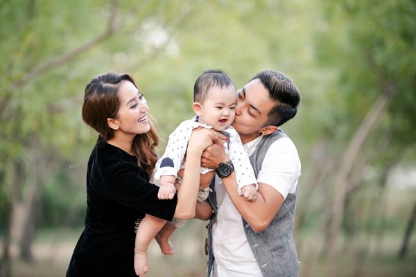 con-trai-khanh-thi-phan-hien-ngay-cang-ngo-nghinh-10