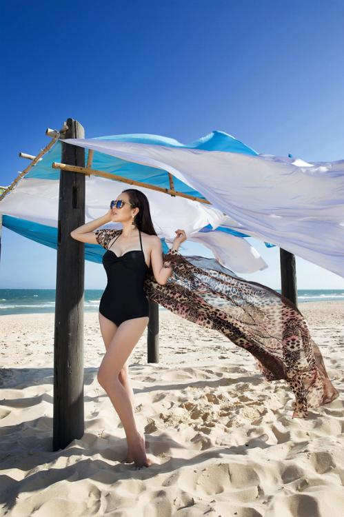 a-hau-phuong-le-tha-dang-voi-bikini-ngay-nang-8