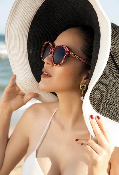 a-hau-phuong-le-tha-dang-voi-bikini-ngay-nang-5