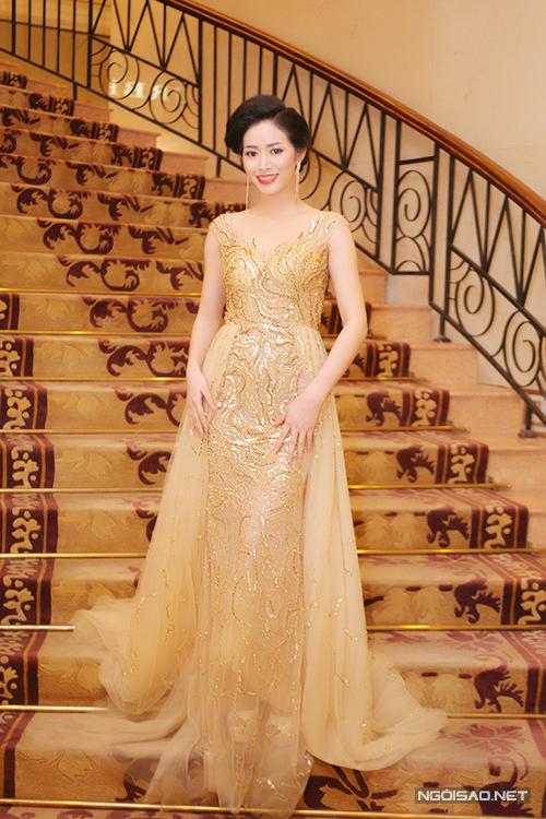 pham-huong-lan-khue-long-lay-di-su-kien-15