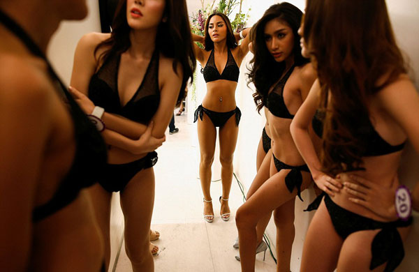 hau-truong-thi-bikini-cua-cac-nguoi-dep-chuyen-gioi-thai-lan