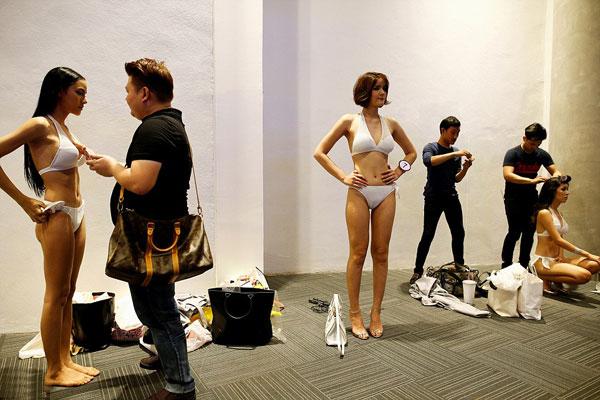 hau-truong-thi-bikini-cua-cac-nguoi-dep-chuyen-gioi-thai-lan-2