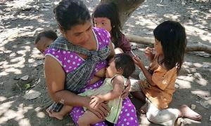 7 đứa trẻ 'người rừng' vướng lời nguyền của mẹ