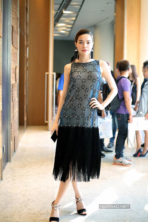 Hồ Ngọc Hà với hình ảnh gợi cảm và thanh lịch khi xuất hiện trong buổi họp báo giới thiệu giải thưởng về phong cách thời trang tổ chức vào chiều 28/4.