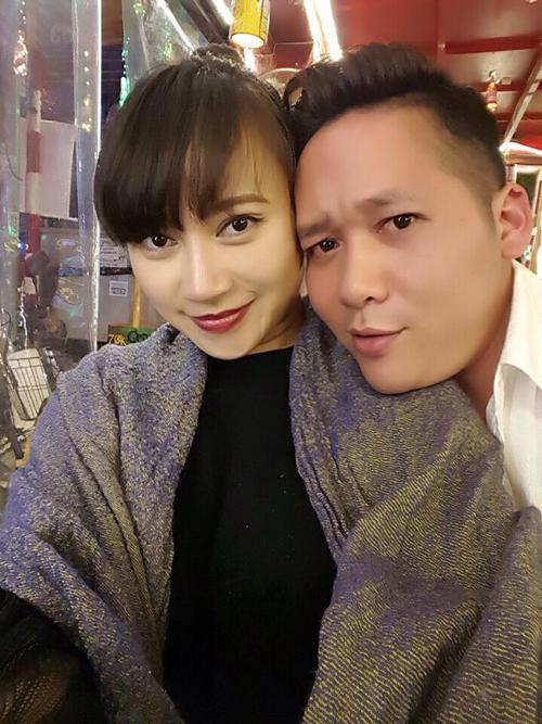 Khánh Linh đăng ảnh hạnh phúc bên chồng: