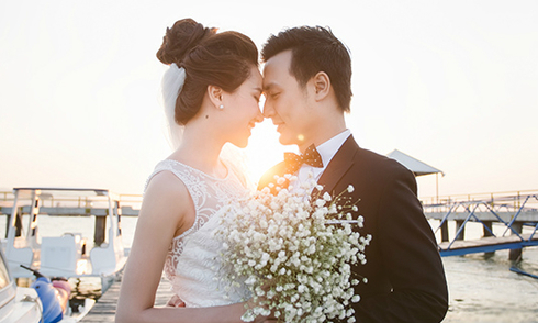Ảnh cưới lãng mạn của Hoa hậu Thảo Nhi và MC Thiên Vũ