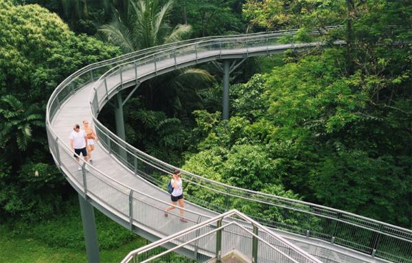 du-khach-cham-diem-11-noi-chup-anh-dep-o-singapore