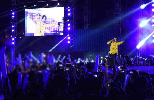 truy-sat-concert14-5547-1462562344.jpg
