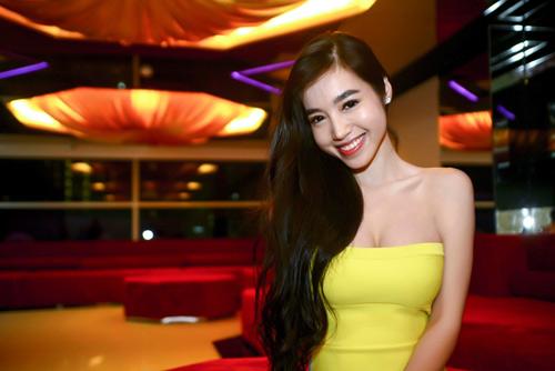 hanh-trinh-bien-doi-nhan-sac-ngoan-muc-cua-elly-tran-5