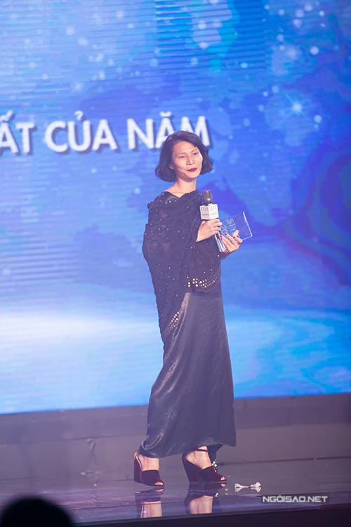 Li Lam bất ngờ khi nhận được giải thưởng 'Nhà thiết kế phong cách của năm'.