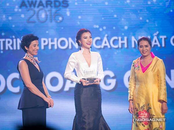 'Người dẫn chương trình phong cách nhất năm' đã thuộc về MC Hoàng Oanh.