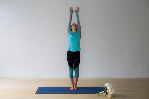 bai-tap-yoga-xoa-tan-cang-thang-cho-co-dau-3