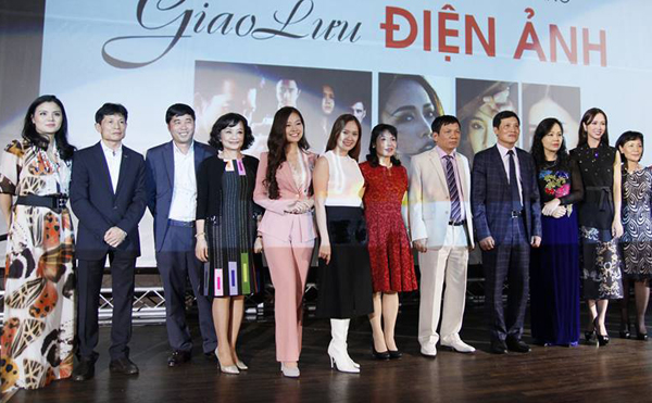 khanh-hien-thanh-lich-thanh-thuy-goi-cam-tai-cannes-9