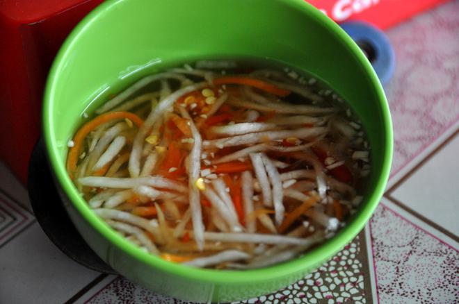Bánh xèo Cao Lãnh thêm hấp dẫn nhờ rổ rau sạch hái từ vườn