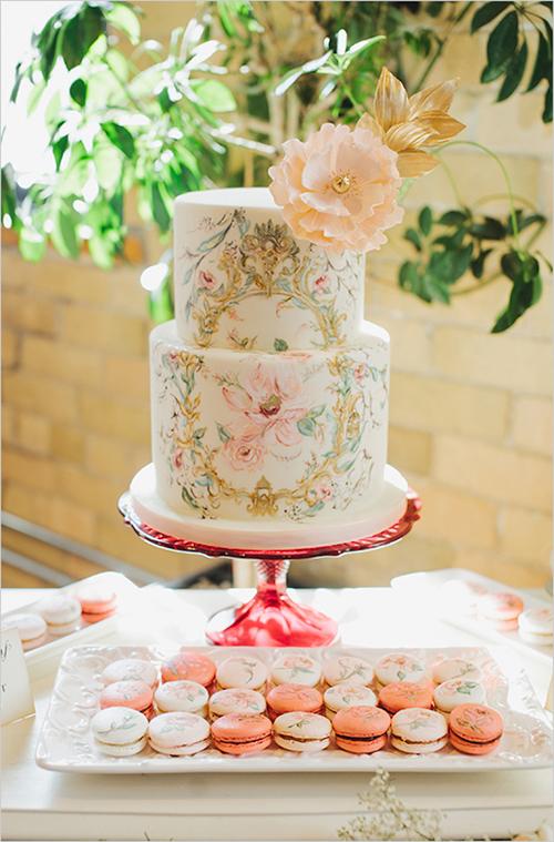 [Caption]Mẫu bánh tinh tế này là lựa chọn hoàn hảo cho cặp đôi thích thể hiện sự sáng tạo, óc nghệ thuật và cá tính riêng trong khi vẫn giữ được nét dịu dàng, lãng mạn.