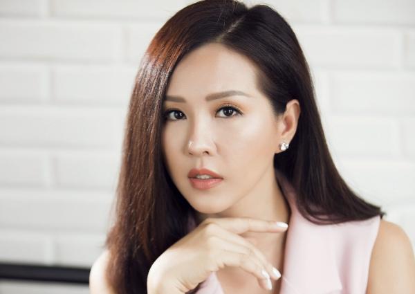 Học cách trẻ hóa da của Hoa hậu Thu Hoài - Làm đẹp
