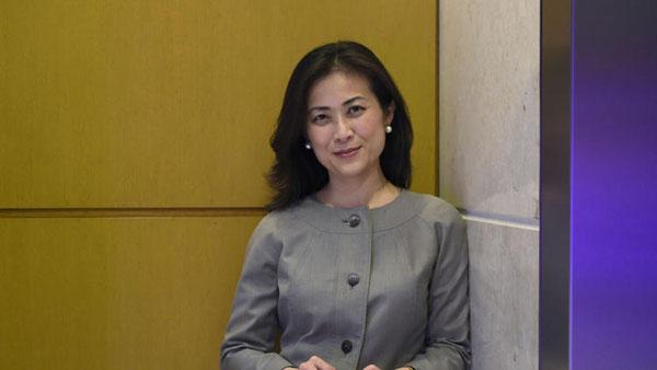 Elizabeth Phu, 39 tuổi, hiện là Giám đốc phụ trách các vấn đề Đông Nam Á và châu Đại dương của Nhà Trắng và là thành viên của Hội đồng An ninh Quốc gia Hoa Kỳ