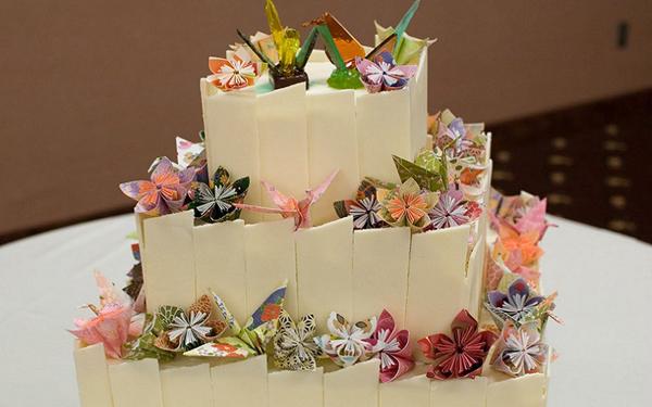 trang-tri-dam-cuoi-voi-nghe-thuat-xep-giay-origami-9