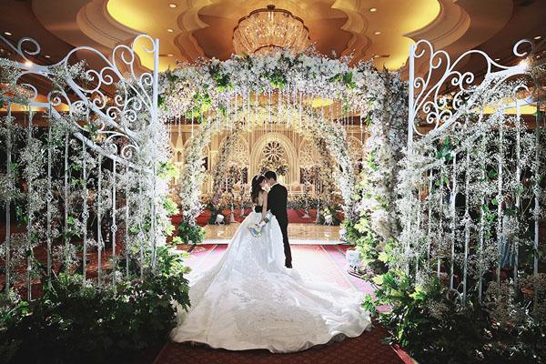 axioo-erick-inezia-wedding-jak-2810-2223