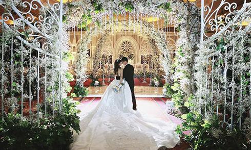 Đám cưới triệu đô xa hoa của cặp đôi tỷ phú Indonesia