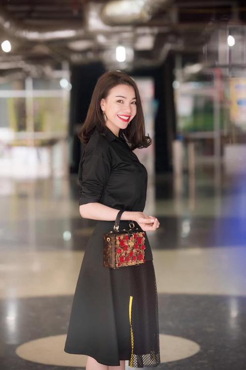 sao-viet-nhiet-tinh-lang-xe-phu-kien-thoi-thuong-11