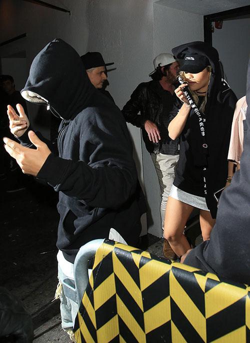 justin-bieber-bit-kin-nhu-ninja-khi-toi-hop-dem-4