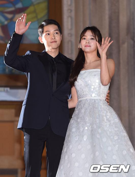 song-hye-kyo-song-joong-ki-tinh-tu-tren-tham-do-baeksang-6