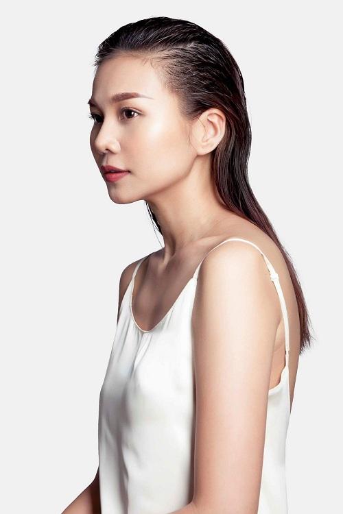 thanh-hang-vach-ao-khoe-nguc-tran-3