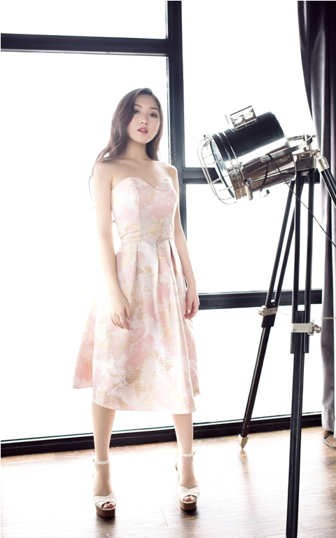 beauty-blogger-viet-goi-y-dam-du-tiec-lang-man-xin-edit-8