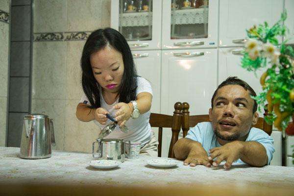 chuyen-tinh-cua-cap-doi-lun-nhat-the-gioi-4