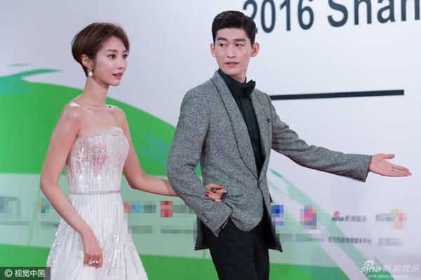 Trương Hàn sánh vai diễn viên Hàn Go Jun Hee.