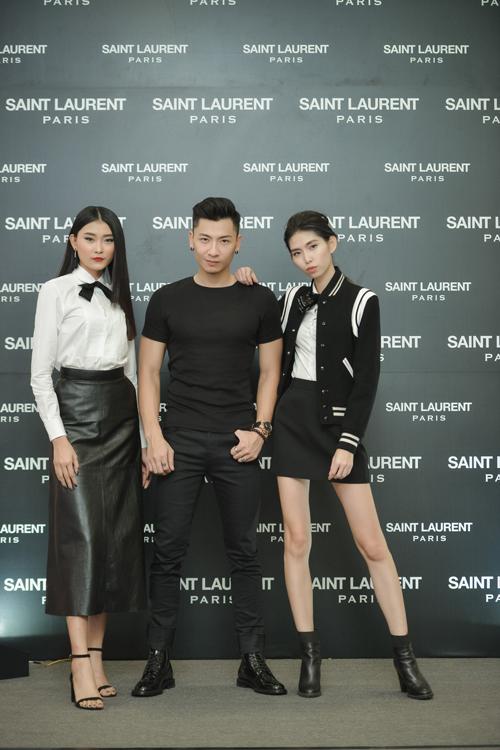 Các người mẫu trong những trang phục đậm chất Saint Laurent.