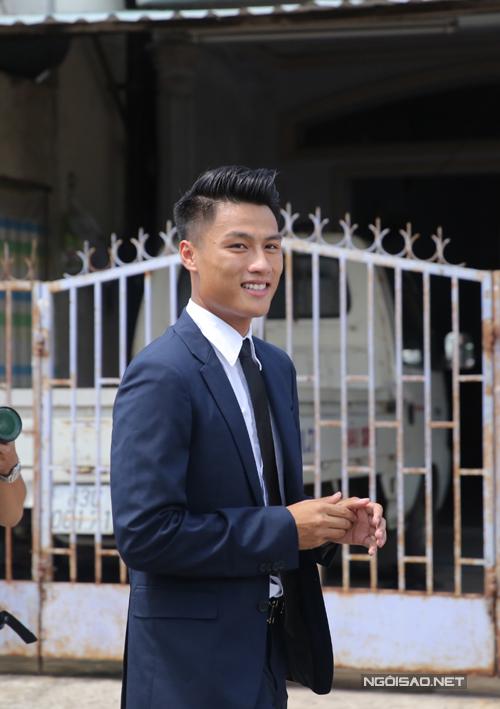 4h sáng, chân sút của Than Quảng Ninh đã có mặt tại TP HCM và gấp rút di chuyển xuống Sóc Trăng.