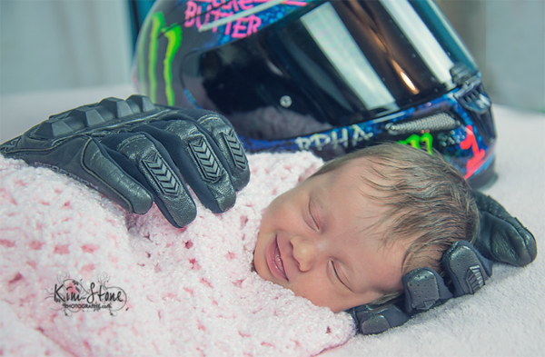 mom-honors-late-fiance-with-beautiful-newborn-photo-shoot