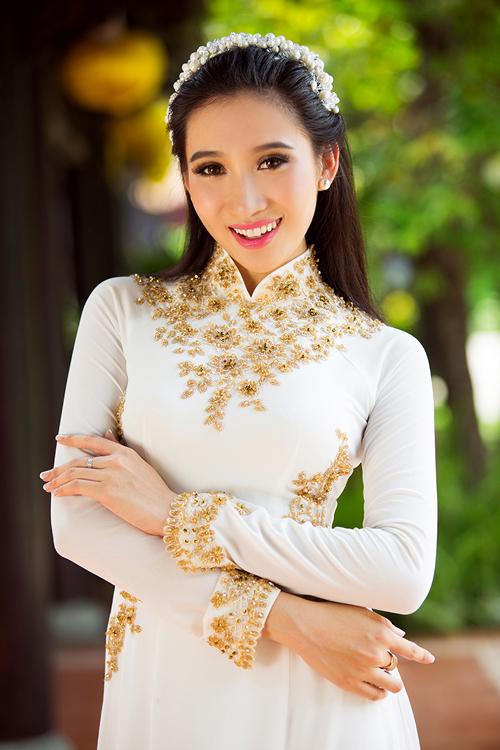 3-sac-ao-dai-trang-tinh-khoi-cho-tan-nuong-2