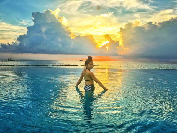 Trinh chọn Maldives vì Trinh rất thích đi nghỉ dưỡng ở biển. Trinh từng nghe đến Maldives từ rất lâu rồi và luôn ấp ủ dự định được trải nghiệm một kỳ nghỉ đáng nhớ ở nơi đây nên lần này quyết tâm sẽ khám phá hòn đảo thiên đường này  nữ diễn viên chia sẻ.