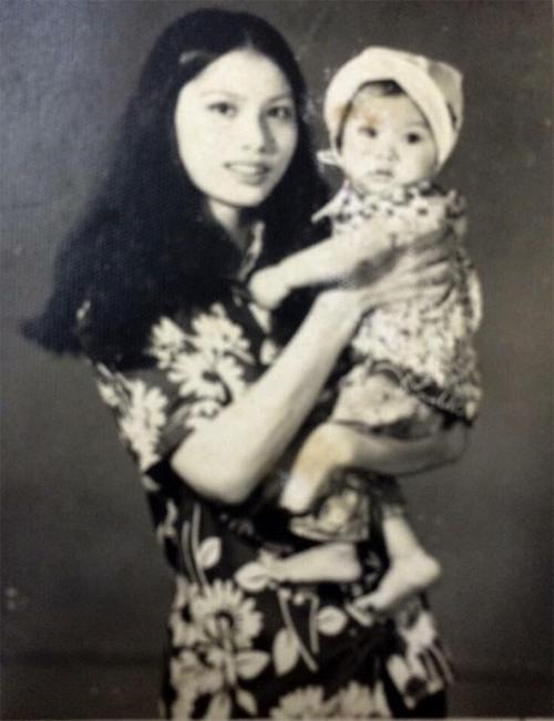 cap 6: Trương Ngọc Ánh Mẹ và tớ lúc nhỏ :))