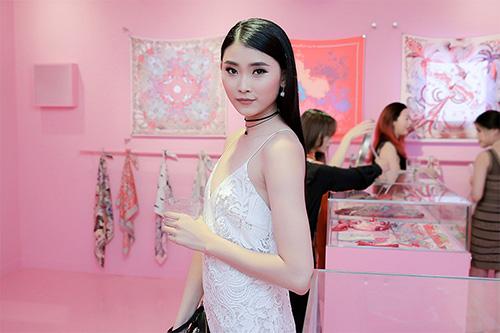 fashionista-du-khai-truong-pop-up-store-khan-hermes-6