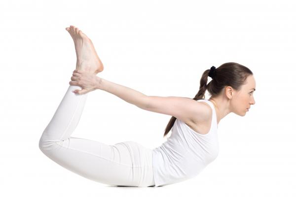 7-dong-tac-yoga-giup-tang-size-nguc-khong-can-dao-keo-3