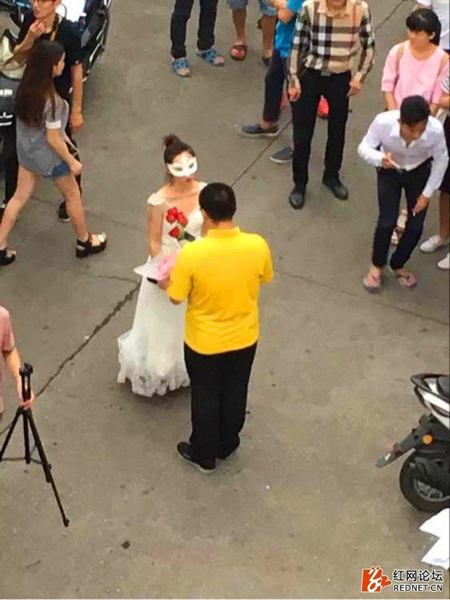Since going viral on the Chinese internet, netizens have mostly expressed jealousy for the lucky student who won the heart of his university professor and fulfilled the internets fantasy of hooking up with a teacher.